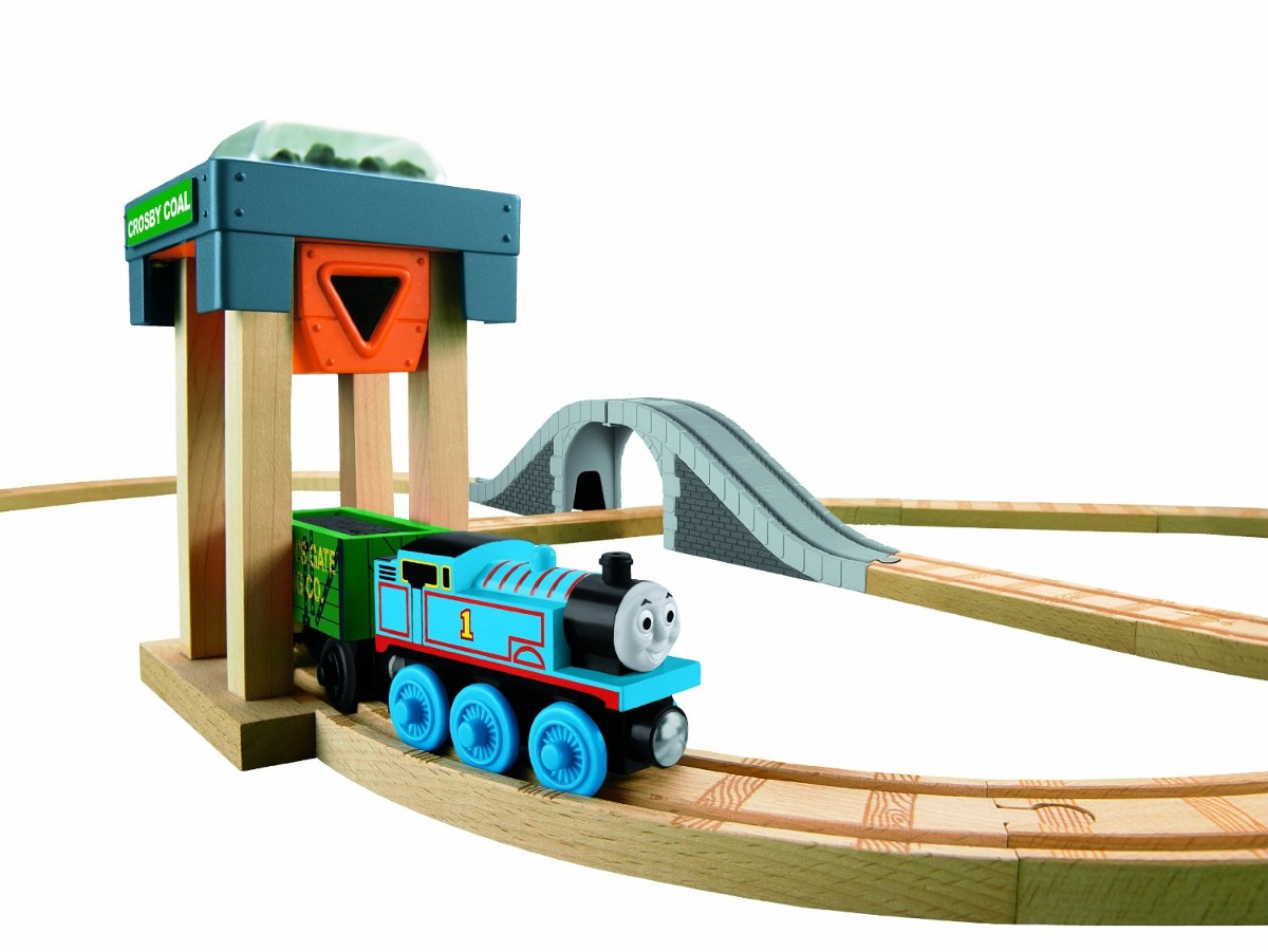 review thomas the tank engine wooden train set. Black Bedroom Furniture Sets. Home Design Ideas